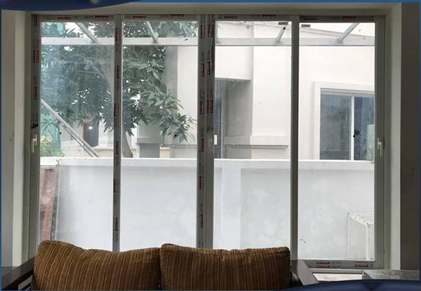 Mẫu cửa sổ mở trượt 4 cánh nhôm Xingfa nhập khẩu chính hãng tem đỏ Quảng Đông