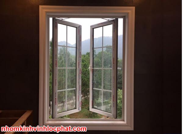 Cửa sổ nhôm Xingfa đẹp màu trắng sứ